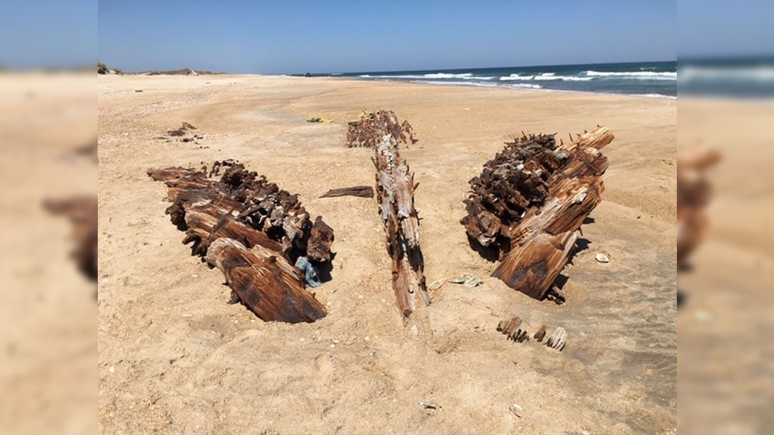 Arenas movedizas revelan los restos de un naufragio llamado el Cementerio del Atlántico