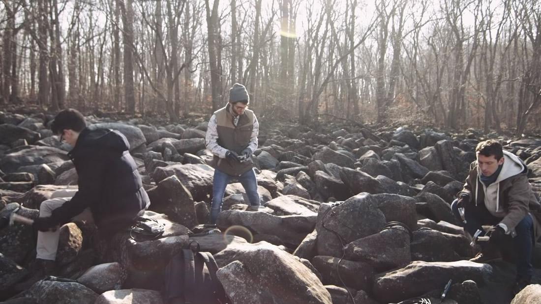 Estas rocas suenan como campanas al ser golpeadas