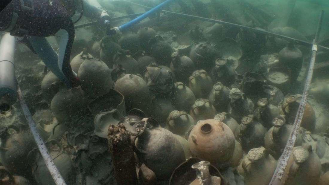 Hallan antiguo naufragio con casi 100 jarras de suministros romanos en España