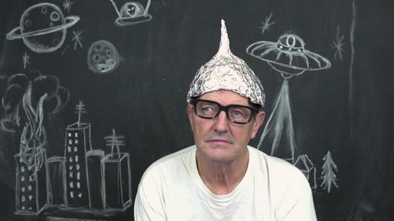 Estudio muestra que teóricos de la conspiración no tienen nada de «locos»