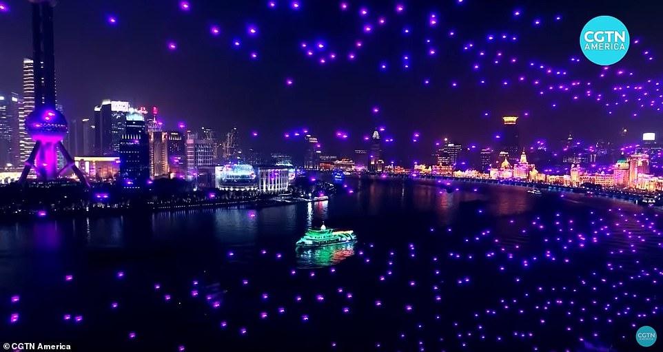 Shanghai reemplaza los fuegos artificiales por miles de drones