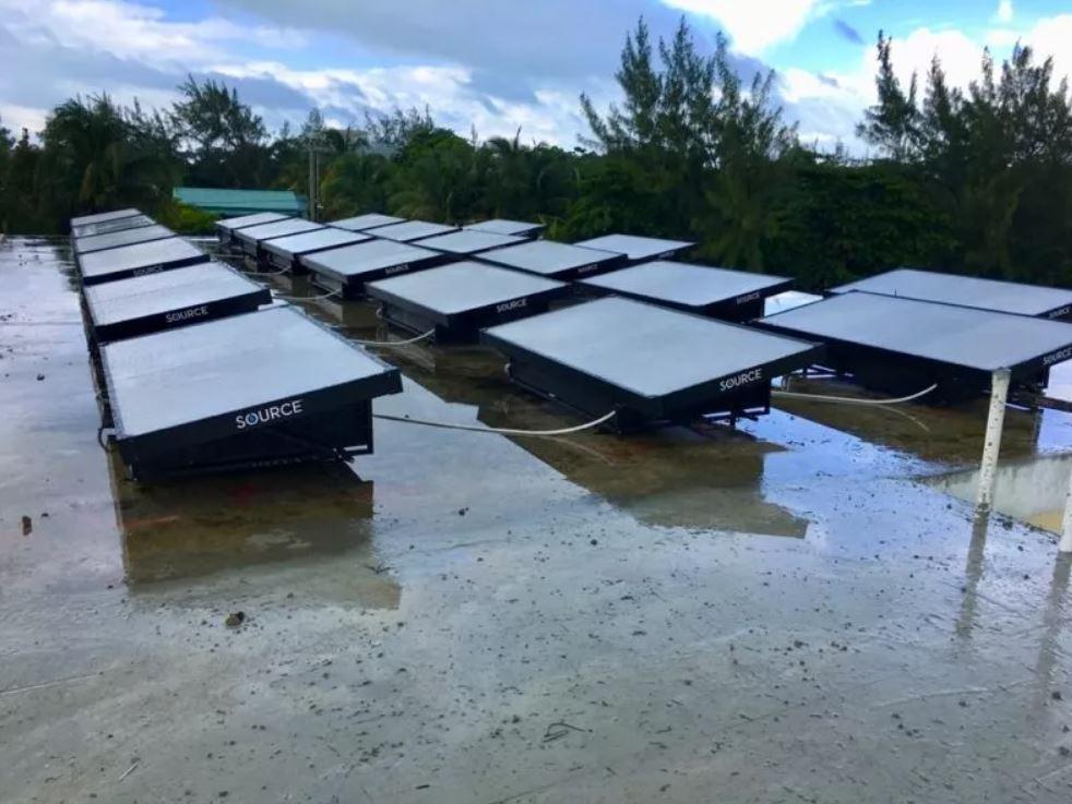 Nuevo dispositivo solar extrae agua del aire en localidad de Belice sin acceso al agua potable