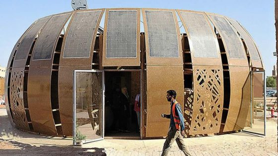 Estudiantes construyen una casa aislada con energía solar hecha casi exclusivamente de cáñamo