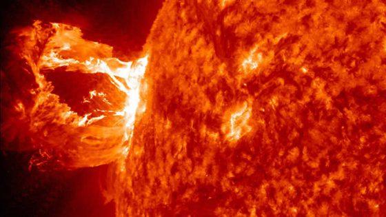 Científicos ahora pueden predecir cuándo nuestro Sol se «despertará» y se «enojará»