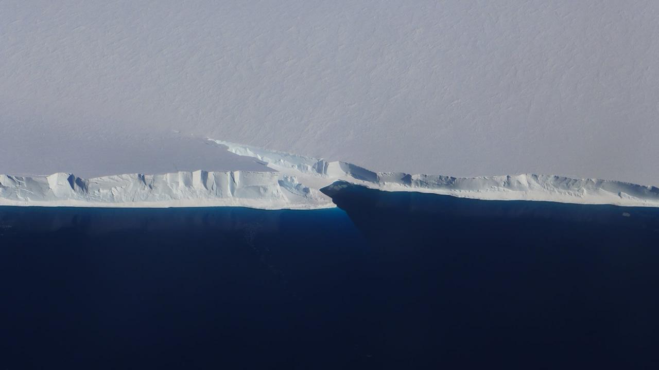 Antártida: 60% de las plataformas de hielo en riesgo de fractura, sugiere investigación